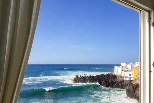 Große 2-Schlafzimmer Wohnung in der erster Meereslinie in Puerto de la Cruz