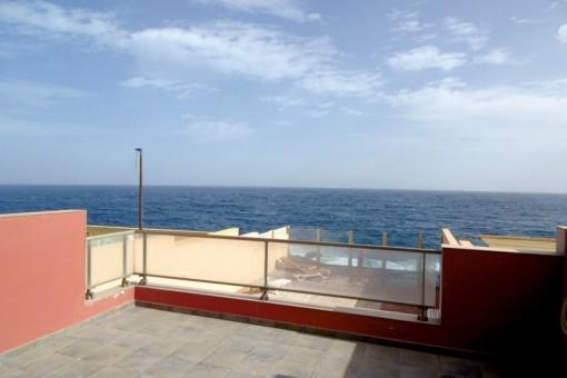 Schöne Wohnung mit Meerblick direkt am Meer in ruhiger Lage