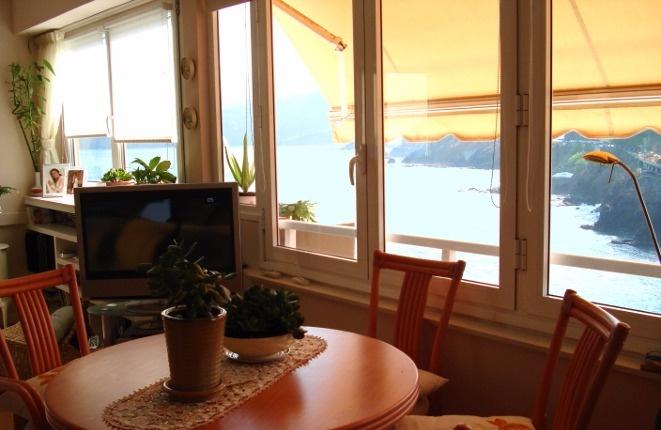 Luxuriöse moderne Wohnung mit Erste-Reihe-Meerblick und Blick zum Teide