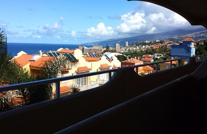 Preisgünstige 3-Zimmer-Wohnung mit Meerblick und Pool
