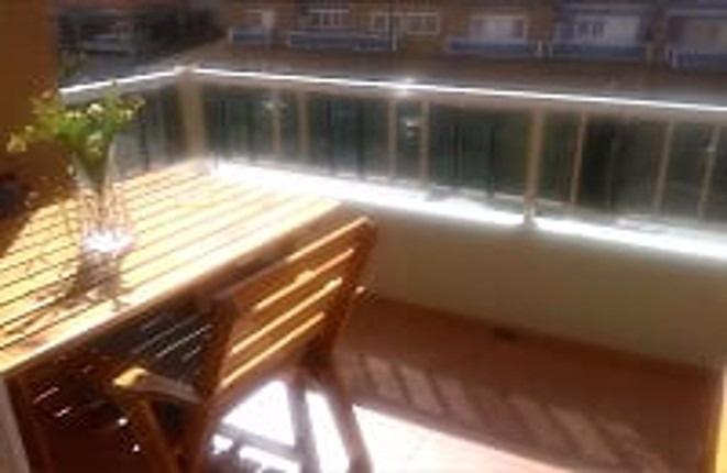 Der Balkon, vom Wohnzimmer aus zugänglich