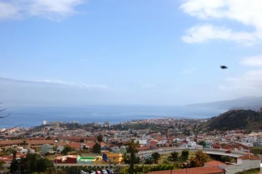Blick auf Puerto de la Cruz und zür Küste