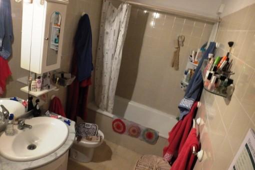 Erstes Badzimmer