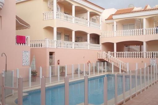 Wunderschöne Wohnung mit Gemeinschaftspool und Dachterrasse in Callao Salvaje