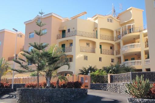 Große Maisonette-Wohnung in einer ruhigen Gegend mit Blick auf das Meer, gemeinschaftliches Schwimmbad und zwei Terrassen in Los Cristianos