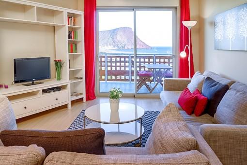 Elegante und moderne Wohnung mit 2 Schlafzimmer, Pool und Garage.