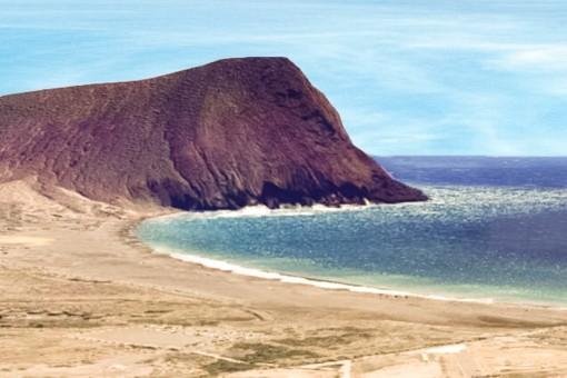 Herrlicher Strand mit Felsen