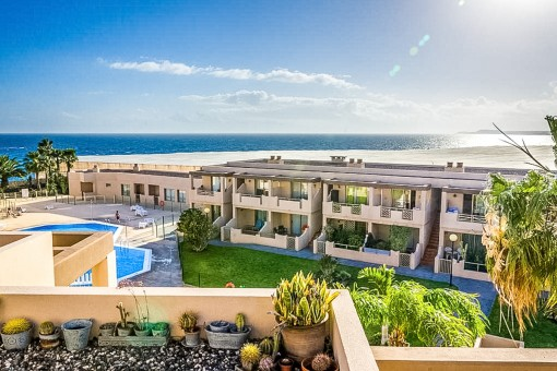 Moderne Wohnung in Granadilla de Abona in erster Meereslinie zum La Tejita Strand inklusive Gemeinschaftspool und Garage