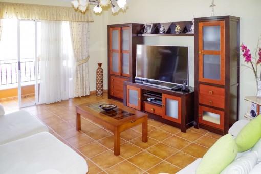 Gepflegte Wohnung mit 3 Schlafzimmern in einem kanarischen Haus in Guargacho im Süden von Teneriffa