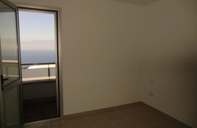 Weiteres Zimmer mit Zugang zum Balkon