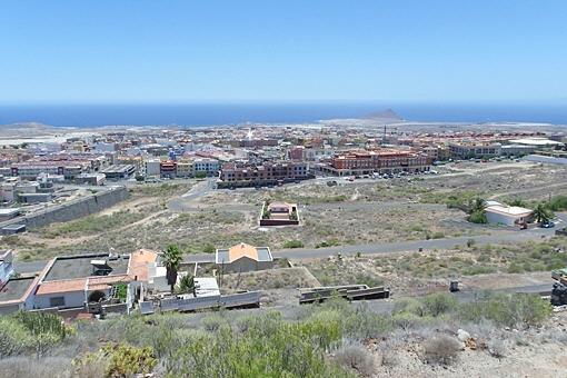 Blick über die zusammenhängenden Flächen der Einzelgrundstücke und des Großgrundstückes