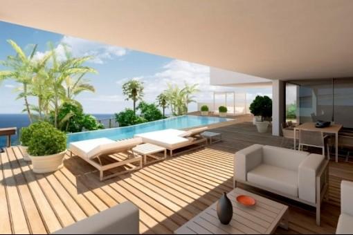 Elegante Terrasse mit Pool und Meerblick