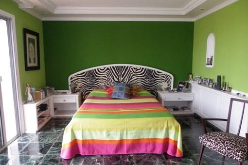 Schlafzimmer mit Ausgang in den Garten