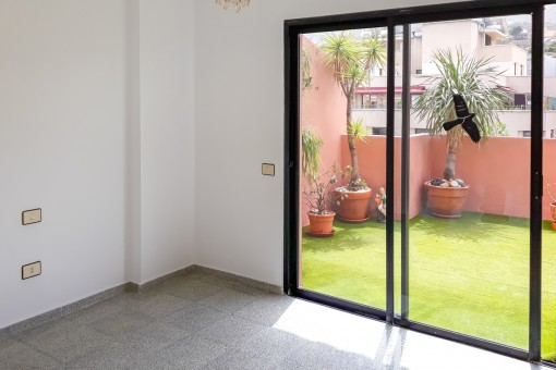 Weiteres Zimmer mit Zugang zum Außenbereich