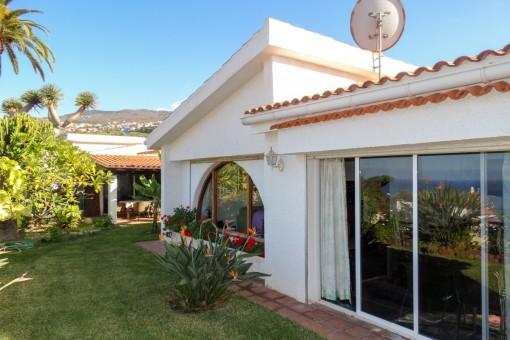 Schönes komfortables Haus zur Miete mit Meerblick in ruhiger Lage
