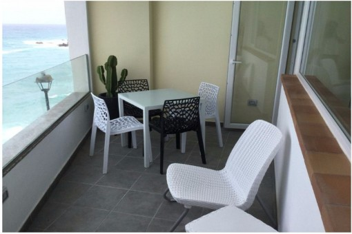 Gepflegte Wohnung in der ersten Meereslinie mit Terrasse und Meerblick in Puerto de la Cruz