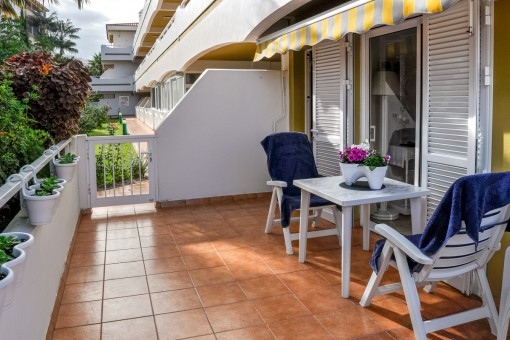 Private Terrasse mit Gartenzugang