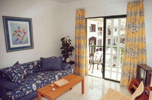 Sonnige Wohnung im 1. Stock mit Balkon und Blick auf den Teide
