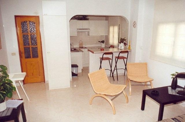 Freundliche Wohnung mit amerikanischer Küche am Playa Jardin