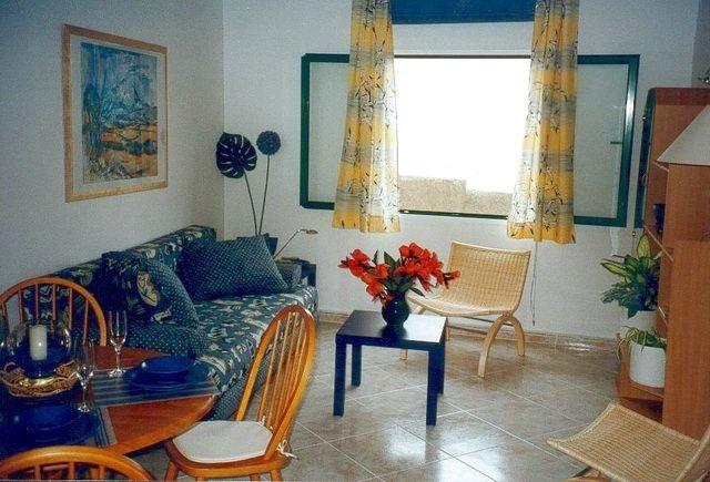 Erdgeschosswohnung mit Meerblick <br /> in Punta Brava