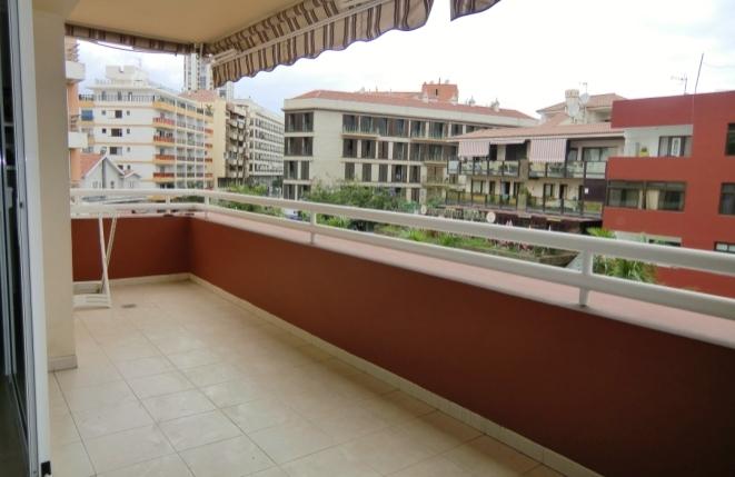 Großer Balkon mit Blick auf Puerto de la Cruz