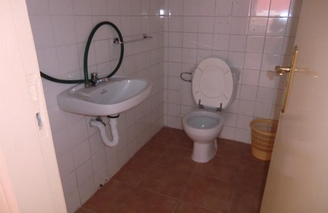 Die zweite Toilette